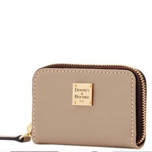NWT DOONEY BOURKE MINI WALLET